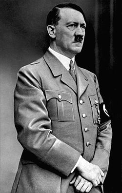 250px-Bundesarchiv_Bild_183-S33882,_Adolf_Hitler_retouched