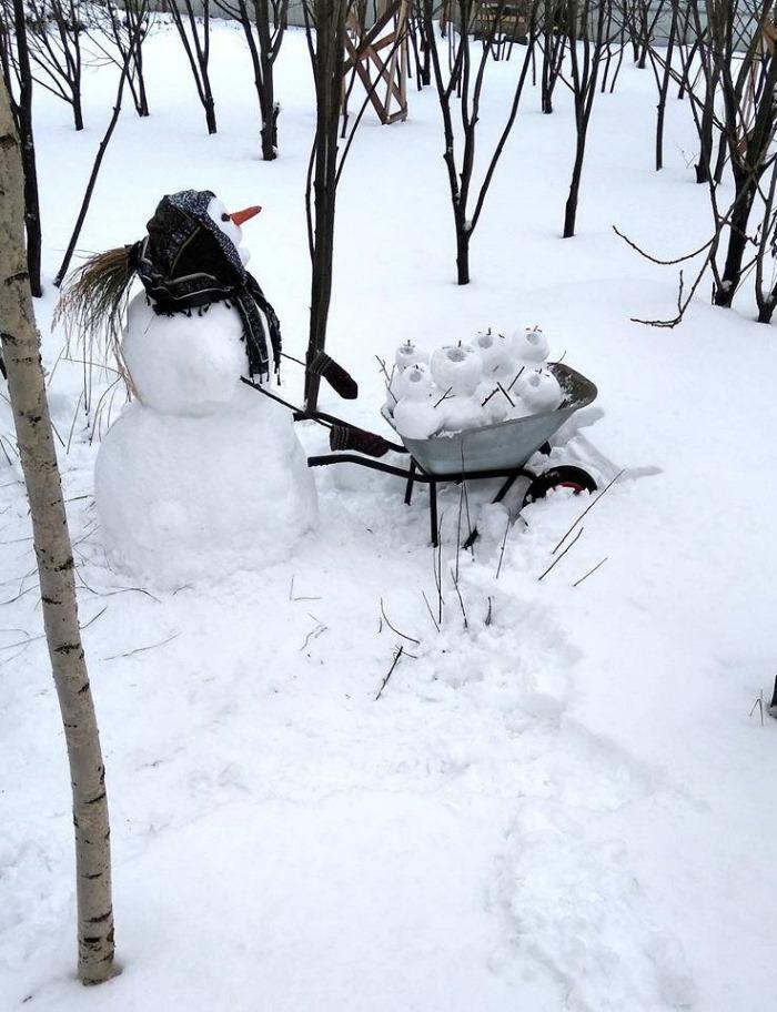 Мать насмерть заморозила в лесу своих детей