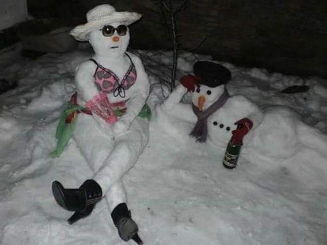Налепились снеговиков, можно и отдохнуть